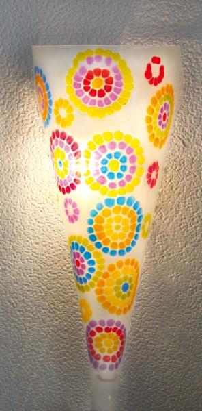 lamp met verf mozaïek