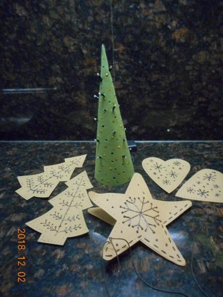 Faux leather kerstboom met lichtjes uit